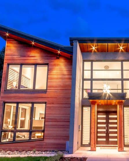 Large windows on a custom Okanagan home
